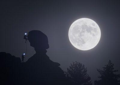 A la luz de la Luna de Jose Angel Izquierdo